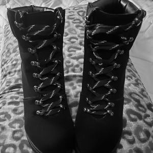 ♡**SEXY* Size 8* 4in Heel Boots**♡